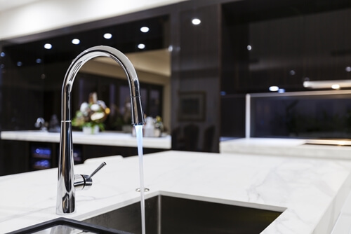 Smart water filters bring more new technology to the kitchen